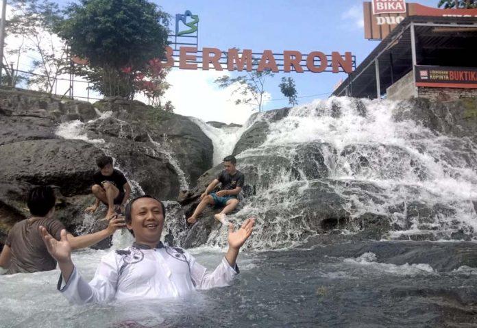 Wisata Air Sumbermaron