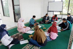 Rapat Dewan Guru SMP & SMA Pesantren Rakyat Gagas Pembelajaran Model SKS