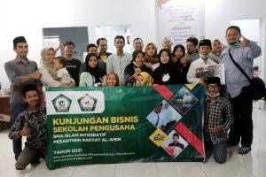 Kunjungan Bisnis SMA Pengusaha Pesantren Rakyat di PT Literindo